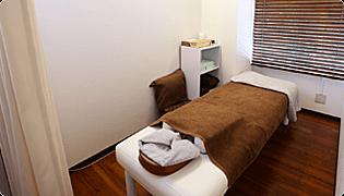自費治療専門のトータルボディケアサロン「リライト」が2階に併設